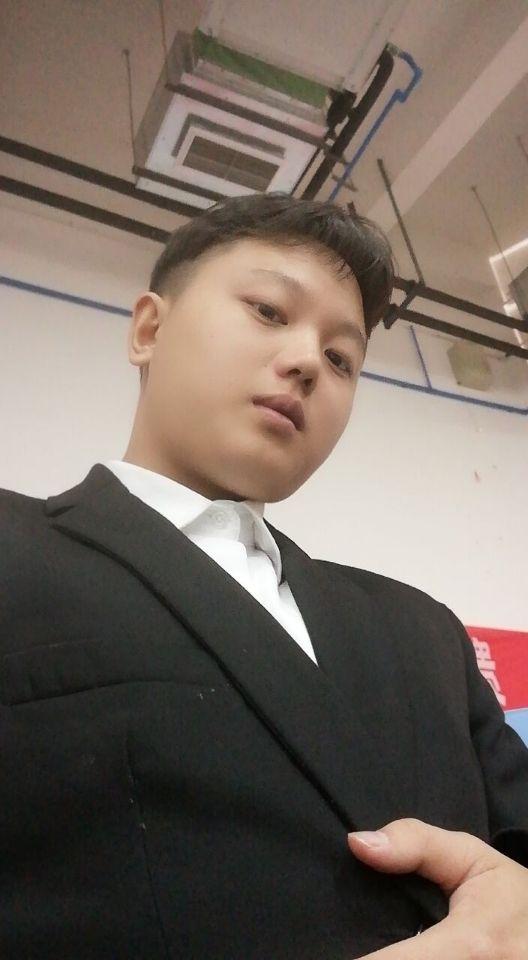 紫云家教卢教员