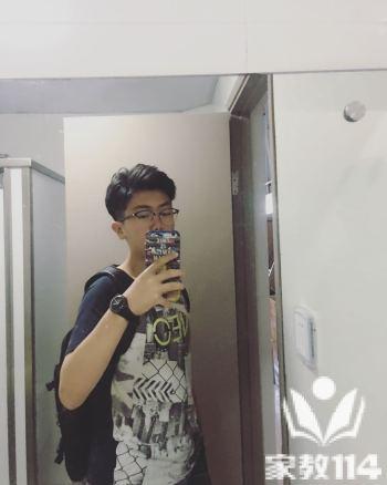 田教员 照片
