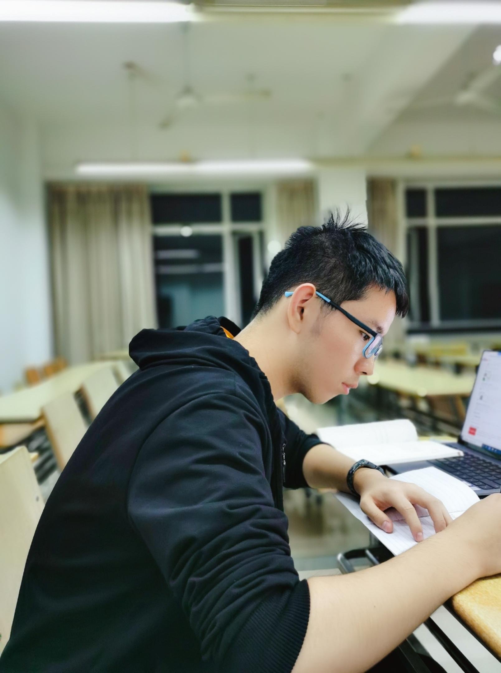 上海家教侯老师