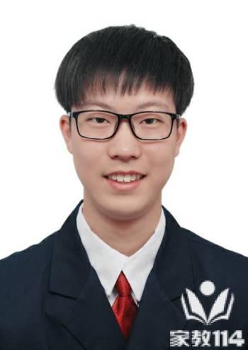 潘教员 照片