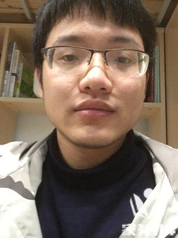 吴教员 照片