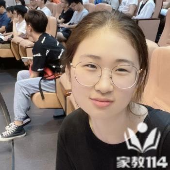 俞教员 照片